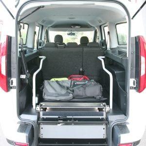 Bezbarierové vozidlo pre vozičkára