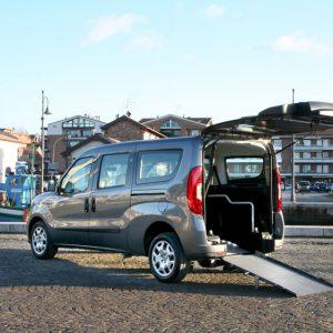 Bezbariérové vozidlo pre vozičkára