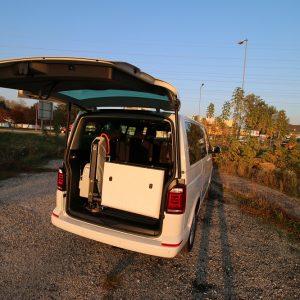 Elektrohydraulická plošina do auta