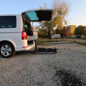 Elektrická plošina do auta pre vozićkára