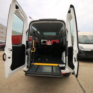 Fiat Doblo XL, Elektrická plošina do auta pre vozićkára