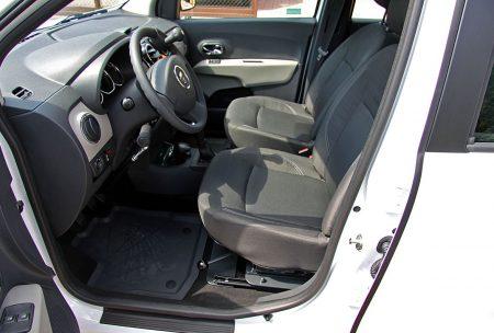 Dacia Lodgy - montáž otočného sedadla na strane vodiča