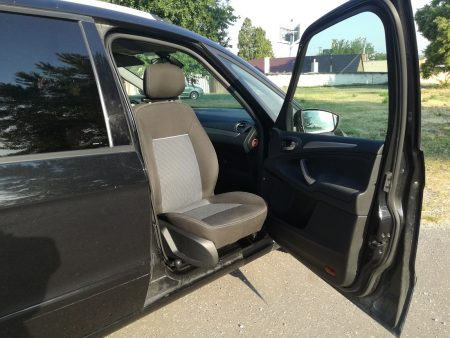 Ford Galaxy - montáž otočného sedadla