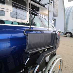 Strešný box na nakladanie invalidného vozíka
