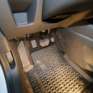 Opel Crossland X 2018 - Namontovaný pedál na plyn