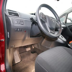 Toyota Verso - Odmontovaný pedál na plyn