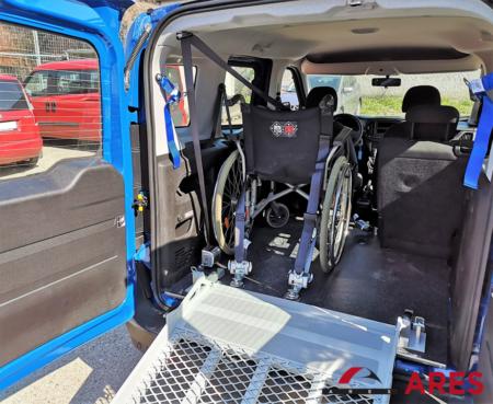 Fiat Doblo s mechanickou rampou + kotvenie vozíka